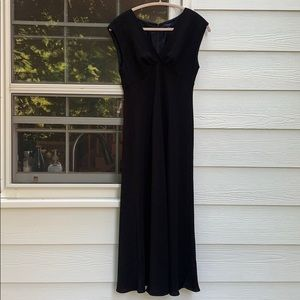 Gorgeous black long gown by Chaps 8